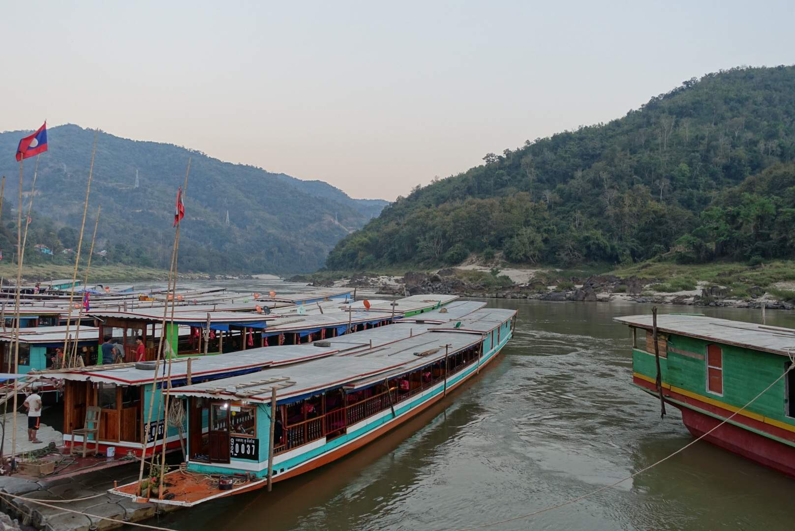 Slow boats at Pat Beng